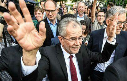 Президент Австрии призвал женщин надеть хиджаб