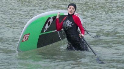 Голливудская актриса появилась на пляже в буркини (ФОТО)