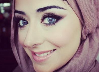 Макияж и хиджаб — совместимы или нет? (ВИДЕО)