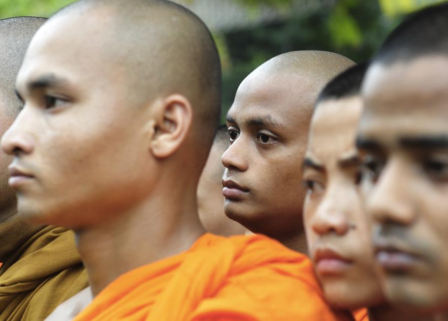 Радикальные буддисты взяли штурмом столичное медресе