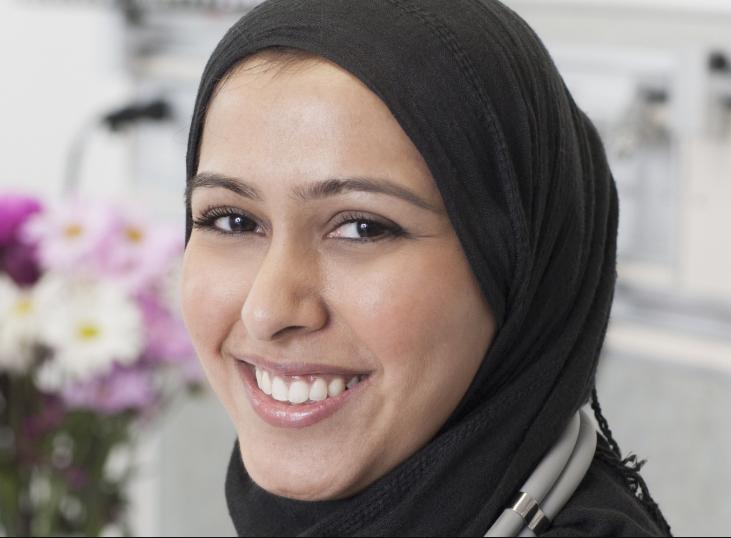 Врач-мусульманка дала идеальный ответ исламофобу