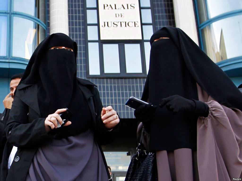 В Германии мусульманкам запретили излюбленный предмет одежды