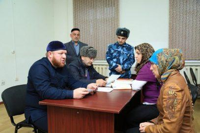 Русская женщина приняла ислам, попав в колонию с мусульманками