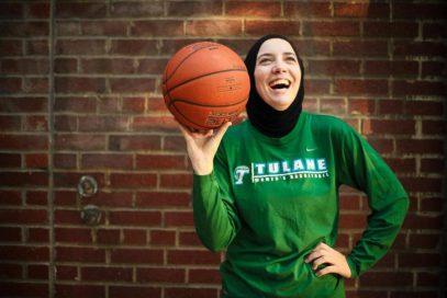 Российский тренер: баскетболистки в хиджабе должны выглядеть хорошо