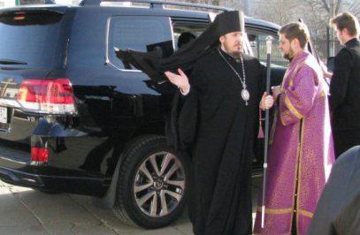 РПЦ отреагировала на конфликт между священником и СМИ из-за Land Cruiser