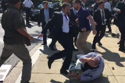 В Турции прокомментировали видео драки демонстрантов и охраны Эрдогана в США