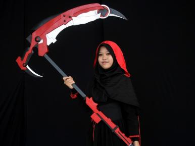 Маски-шоу в хиджабе вызвали дебаты в мусульманской стране (ФОТО)