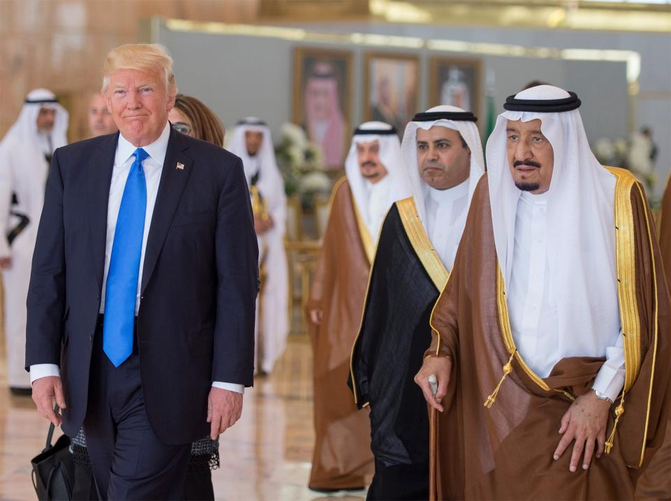 Трамп выступил с исторической речью об исламе, перемены в риторике поражают