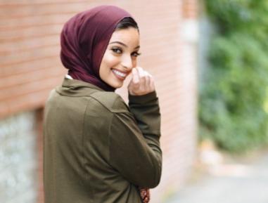 Мусульманка, получив двойку, сделала с профессором неожиданное