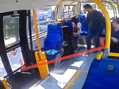 Молодой человек ударил студентку за короткие шорты в Рамадан (ВИДЕО)