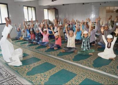 Мусульмане массово приобщились к йоге? (ФОТО)