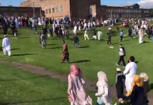 В Великобритании автоледи протаранила толпу празднующих Ид аль-Фитр