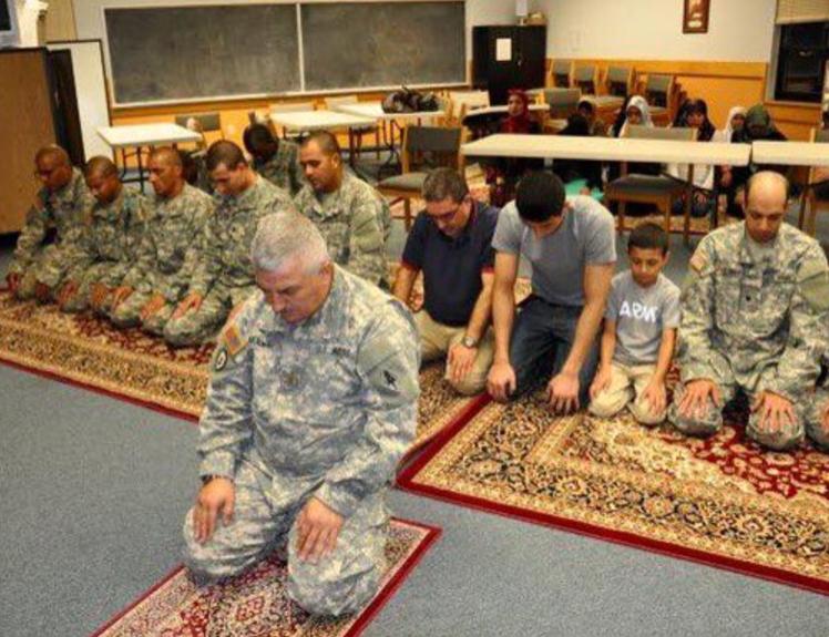 Как проходит Рамадан у новообращенных мусульман в армии?