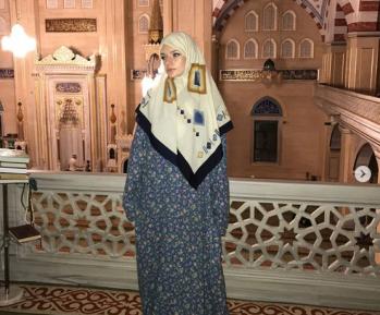 Дочь пресс-секретаря президента России Елизавета Пескова надела хиджаб