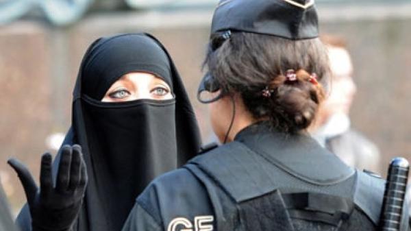 Европейский суд признал никабы вне закона