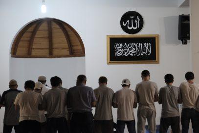 СМИ узнали о ночной операции возле самой «подозрительной» мечети в Махачкале