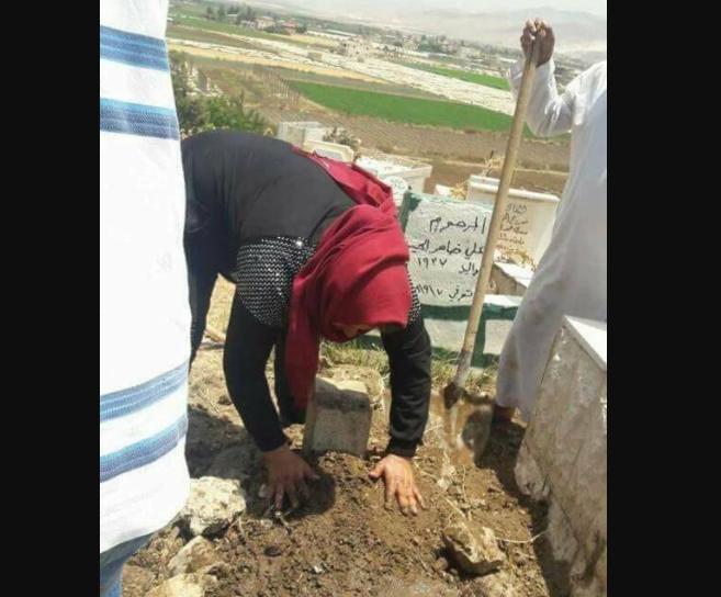 Ливанка раскопала могилу собственного ребенка с поразительной целью