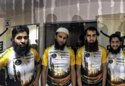 8 мусульман отправятся в хадж с двоякой целью