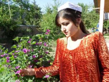 Трагедия в Таджикистане: «Она выпила уксус, когда я велел ей возвращаться к родителям»