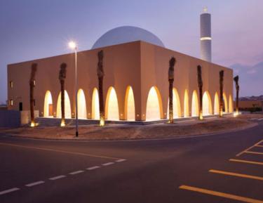 Мечеть, поражающая простотой и изысканностью (ВИДЕО)