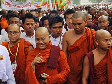 Буддийские радикалы весело праздновали снос мечети, пока не узнали шокирующую правду