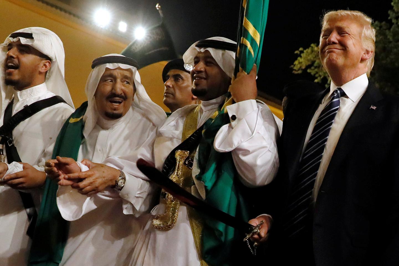 Танец Дональда Трампа в Саудовской Аравии