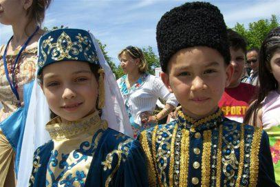 «Будущее Крыма». Многодетным крымскотатарским семьям пришли на помощь