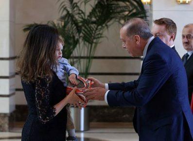 На встрече Эрдогана с послами произошел конфуз (ВИДЕО)