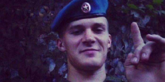 Корней Макаров служил в ВДВ и с детства владеет боевыми искусствами