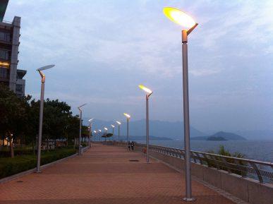 Выбор уличных опор и светильников: главные особенности