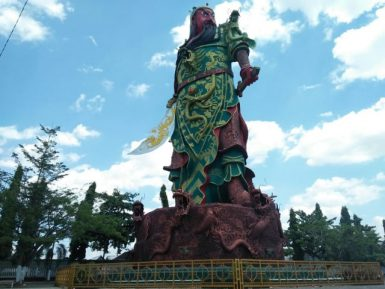 Монструозный идол в мусульманской стране принял неожиданное обличье