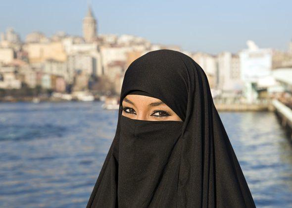 Жительницам Саудии позволят ходить на улице в бикини