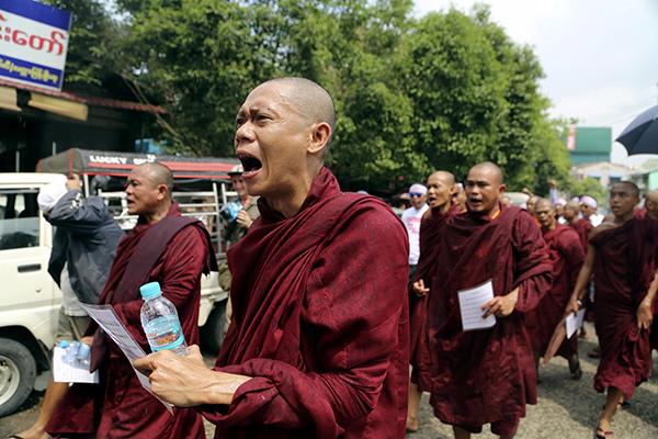 Буддисты в Мьянме