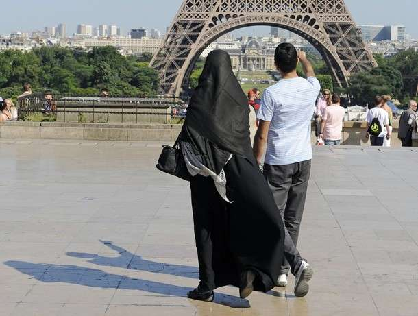 Девушка, недавно принявшая ислам, попала под влияние радикалов