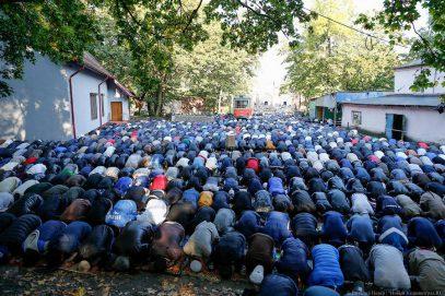 Мусульмане Калининграда готовы отказаться от голосования за власть из-за мечети (ВИДЕО)