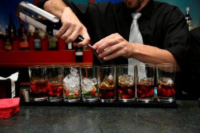 У турецкого бармена сдали нервы при встрече с пьяным белорусом