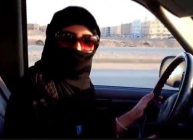 Саудовские женщины добились права на вождение автомобиля