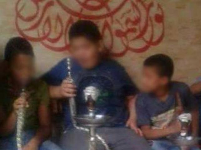 Дети с кальянами вызвали гнев в Египте (ФОТО)