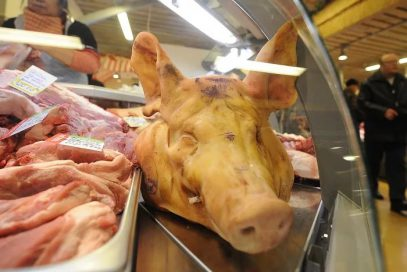 Великобританию охватывает эпидемия от свиной продукции