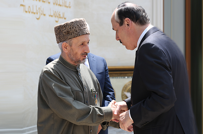 Глава республики приветствует муфтия