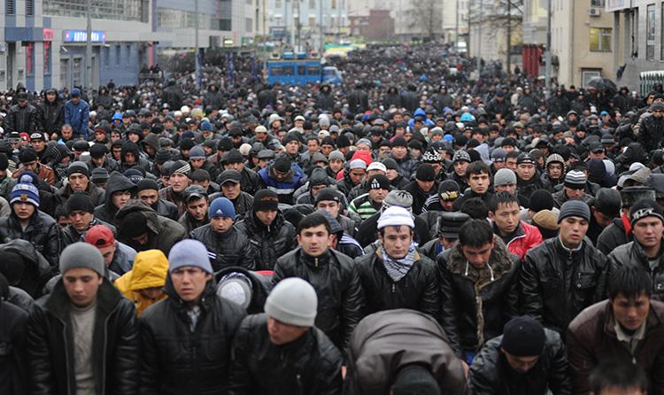Российская экономика требует все больше мигрантов