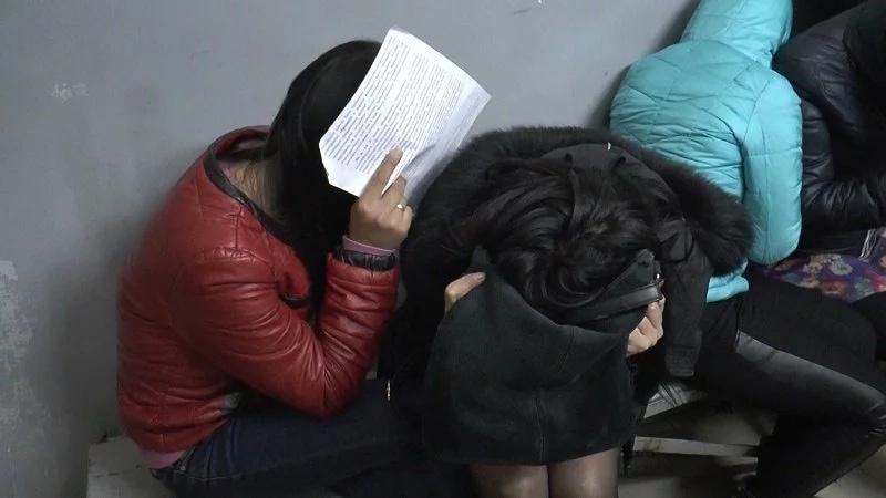 В Алматы задержали занимавшихся проституцией иностранок . Nur.kz