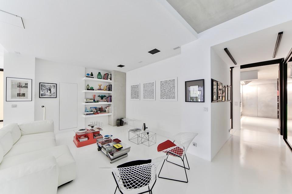 Преимущества химчистки диванов и другой мебели