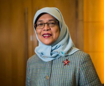 Халима Якуб – как мать 5 детей стала президентом неисламской страны