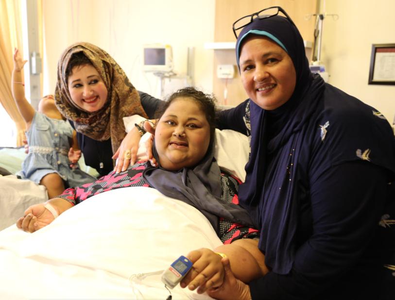 Иман со своей сестрой и матерью