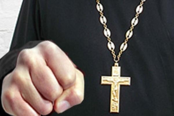 Спор служителей церкви перерос в драку