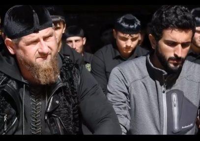 Принц Бахрейна предстал в непривычном образе на джума-намазе в Чечне