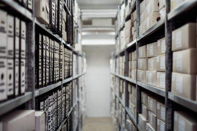 Надежные стеллажи различных видов от компании «Архив Проект»