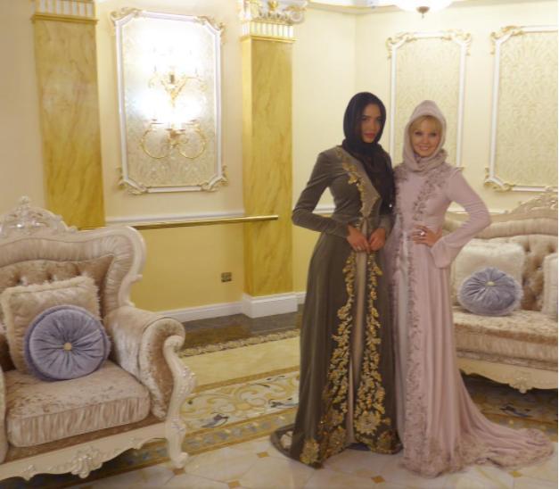 Кадыров приобщил Валерию к хиджабу