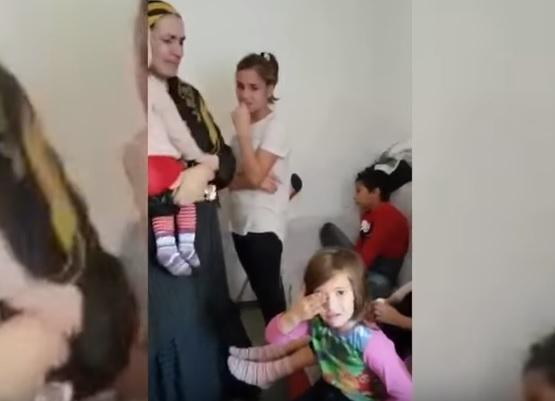 Момент изъятия детей у россиянки